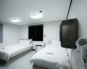 트윈룸 3인실